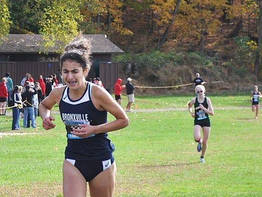Bronxville's Natalie Weiner leads Hastings' Caitlin