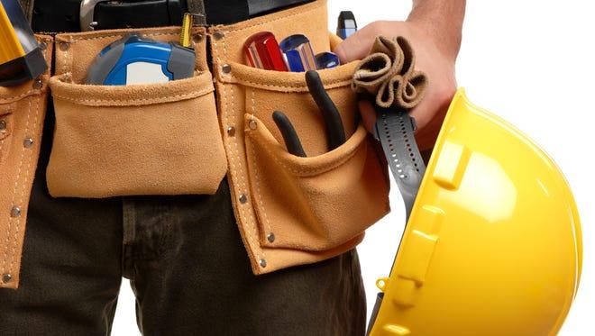 Construction contractor carpenter tool belt