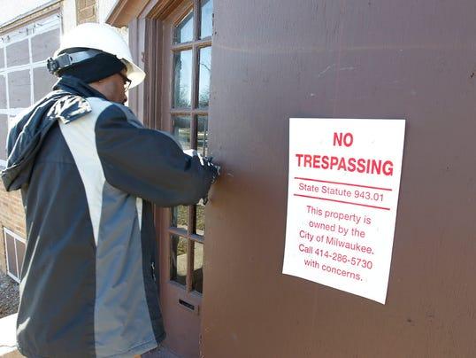 Foreclosure filings decrease