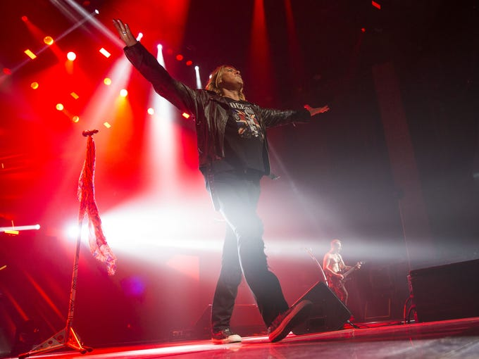 Review: Def Leppard bring REO Speedwagon to Phoenix for hit