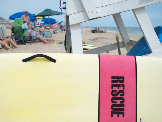 Presto Lifeguard beach rescue stand.jpg