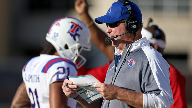 Louisiana Tech coach Skip Holtz expects to sign anywhere from 18 to 20 players on Wednesday.