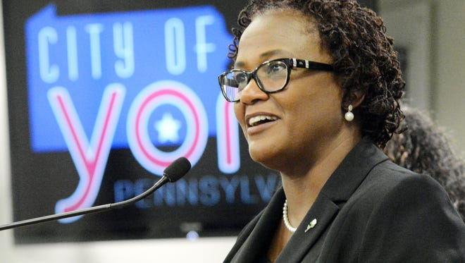 York City Mayor Kim Bracey welcomes the crowd during a press conference her office sponsored to denounce the events in Charlottesville, Va. Thursday, Aug. 17, 2017. Bill Kalina photo