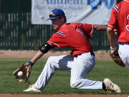 636609824910177125-Prep-baseball-Reno-at-McQ-3.jpg