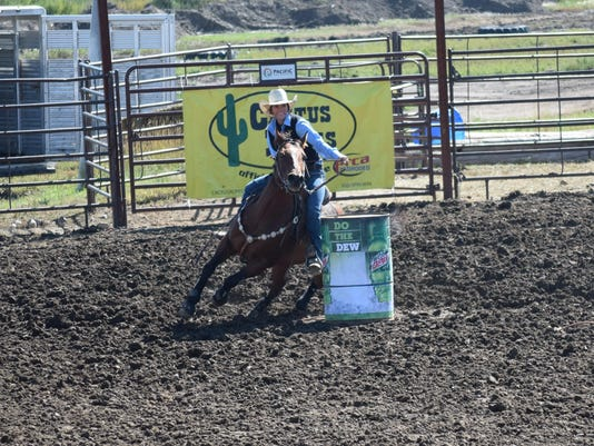 College Rodeo: UGF's Knight learns from the best
