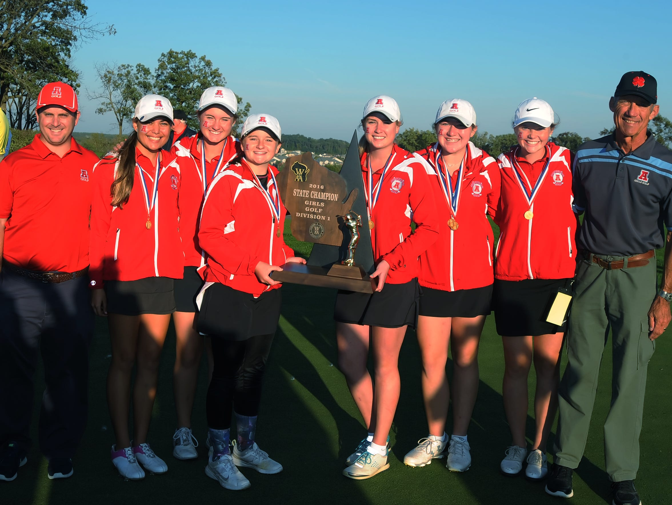 Arrowhead's Division 1 state-championship golf team