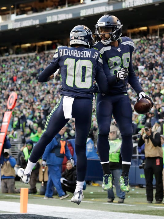 Seahawks lose finale, miss playoffs for first time since '11