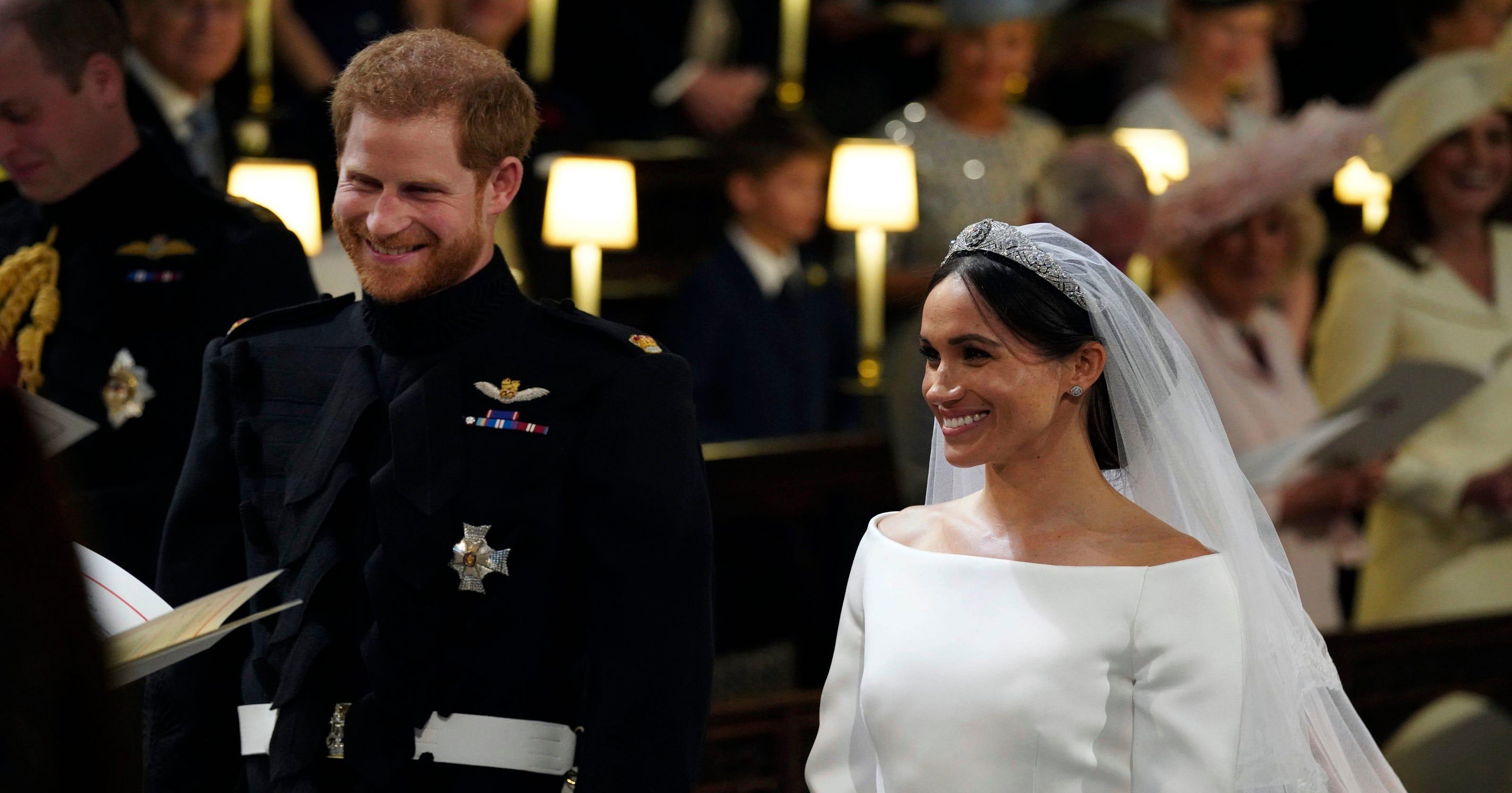 c9d702f00d0 Meghan Markle s wedding dress splits Twitter   Beautiful  and  boring