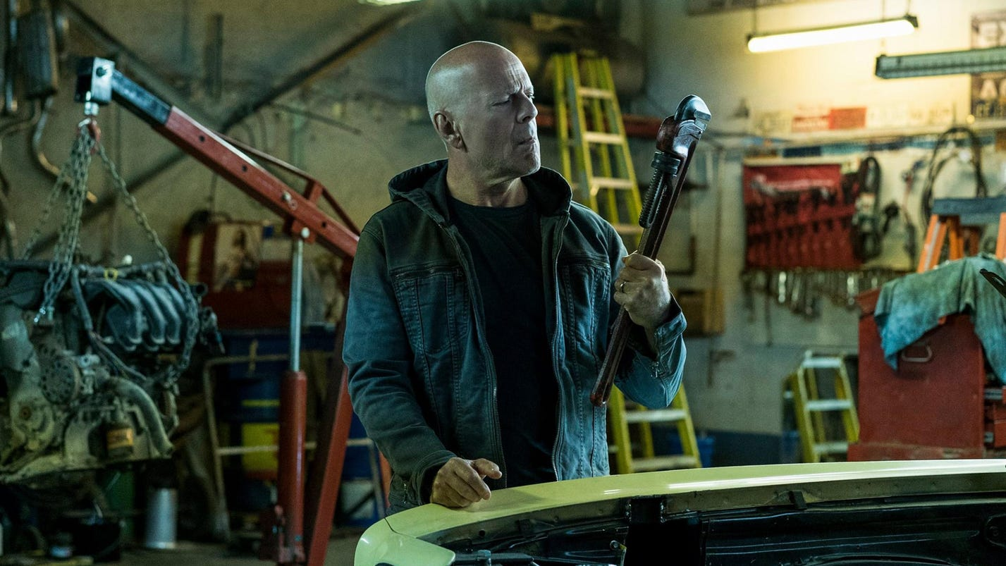 Review: 'Death Wish' tries to have it both ways on guns