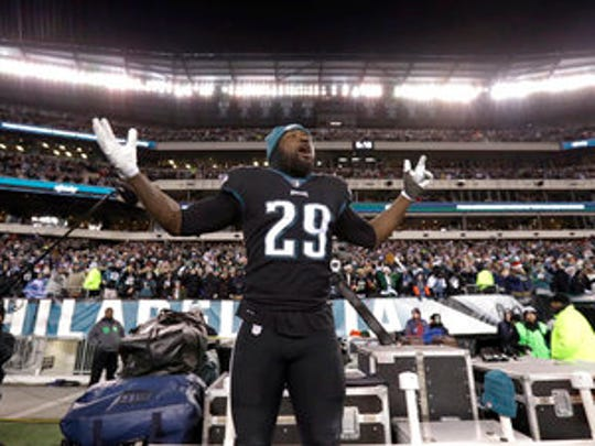 Eagles' LeGarrette Blount cheers on his team during a Dec. 25 team against the Oakland Raiders.