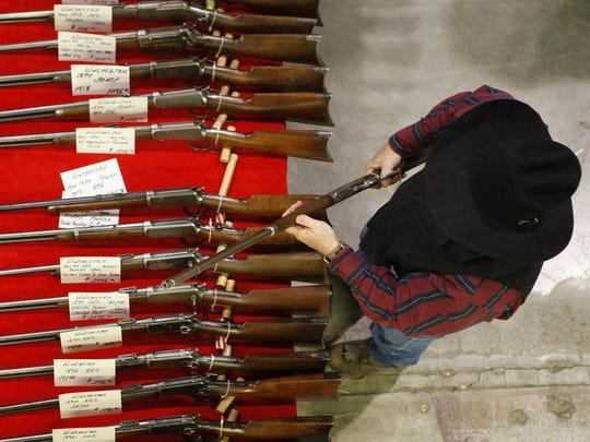 Gun Show FAL 0409 Guns in Montana