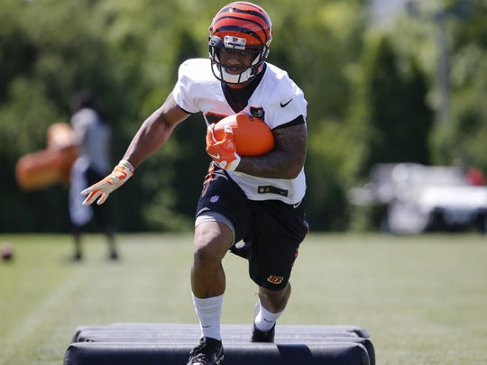 Cincinnati Bengals running back Joe Mixon said he dropped 10 pounds since the start of the organized team activity.