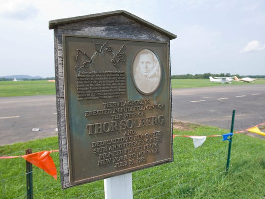 A plaque at Solberg-Hunterdon Airport commemorating the 1935 flight of Thor Solberg from New York to Norway.