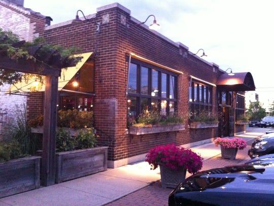 Restaurant 2 Vine was at 24 Winthrop St.
