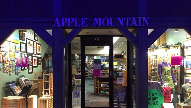 Signs at the Apple Mountain Vermont gift store on Church Street Marketplace Wednesday indicate the store is closing.