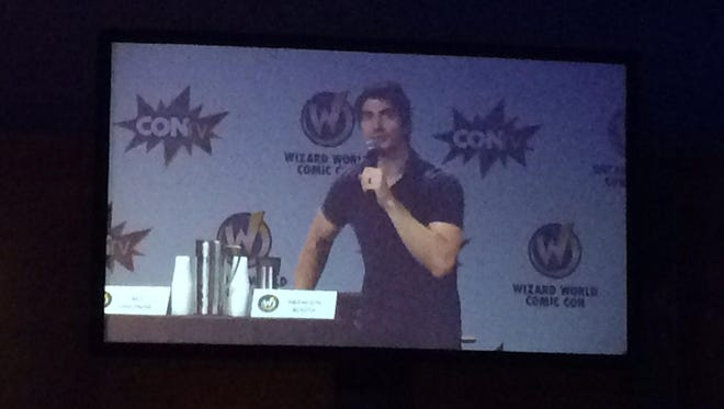 Brandon Routh speaking at Wizards World Comic Con in Des Moines on June 13, 2015.