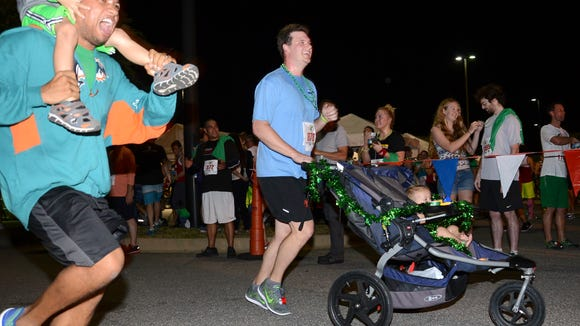 Running with strollers and kids in race events, as