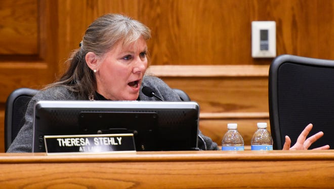 Counselor Theresa Stehly raises concerns about the proposed contract with Landscapes Unlimited during a special Sioux Falls city council meeting on Tuesday, Dec. 26, 2017. The council voted 5-3 in favor of accepting a contract from Landscapes Unlimited, shifting operations of the city's public golf courses to the Nebraska company.