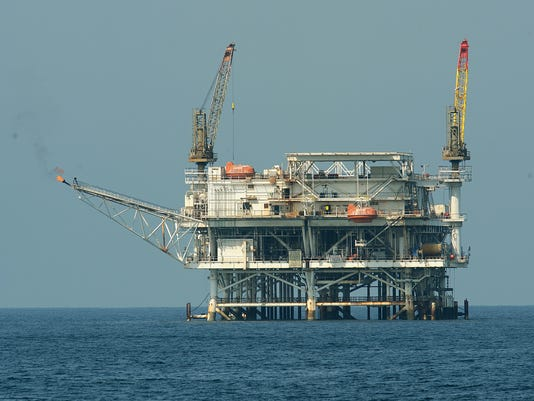 AFP US-ANIMALS-BLUE WHALES-RIG A - USA CA