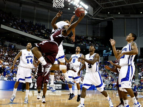 March 22, 2008 - Memphis' Shawn Taggart, middle back,