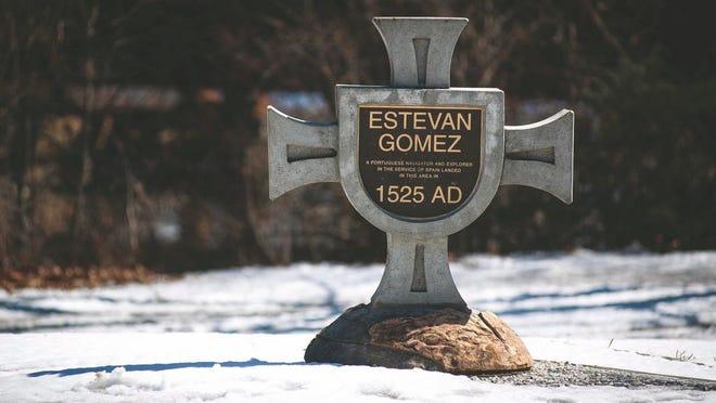 Monumento dedicado ao explorador português Estevão Gomes, na cidade de Bangor, Maine.