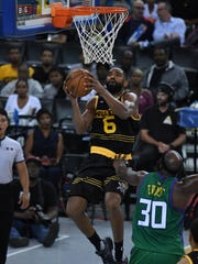 993211462.jpg OAKLAND, CA - JULY 06: Killer 3s' Alan Anderson throws up a shot against 3-Headed Monsters' Reggie Evans during Week 3 of the BIG3 basketball league game at ORACLE Arena on Friday, July 6, 2018, in Oakland, Calif.