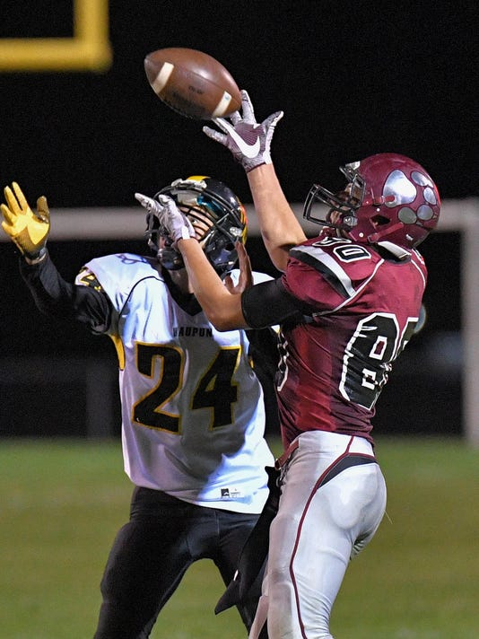 OSH Winneconne vs Waupun FB_09302016_JK_0013
