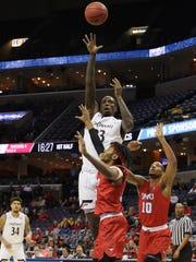 AAC_SMU_Cincinnati_Basketball_07860.jpg