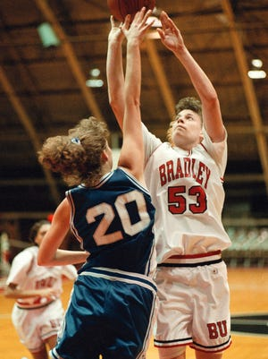 Jefferson grad Carrie Coffman is the No. 8 all-time leading scorer for Bradley.