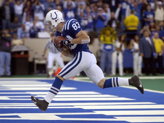 12/26/04 --- Indianapolis Colts Brandon Stokley catches