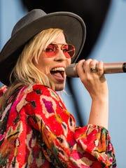 Natasha Bedingfield performs as Train's Play That Song