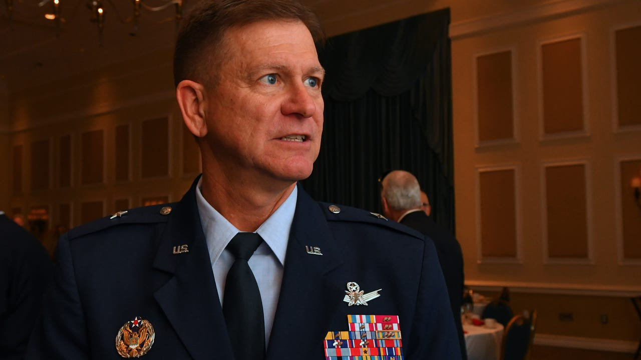 General Wayne Monteith speaks at National Space Club Florida Committee about launches from the Eastern Range. Video by Tim Shortt. Posted 1/8/18.
