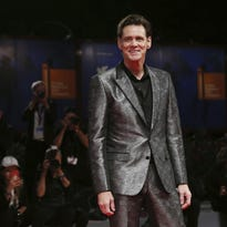 Jim Carrey criticized for portrait that may be Sanders