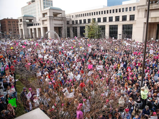 636206032669405840-WomensMarchIndy-MM-037.jpg
