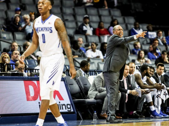 December 02, 2017 - Memphis Tigers' head coach Tubby Smith yells out to his players during Saturday's game versus the Mercer Bears at the FedExForum.
