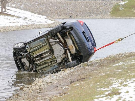 car-pond-032718