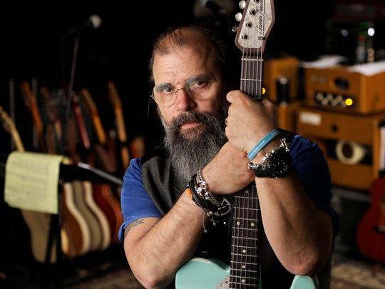 Roots-rocker Steve Earle plays Lafayette's Music Room on Tuesday.