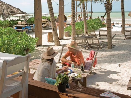 The beachfront restaurant Mandarina Beach Club.