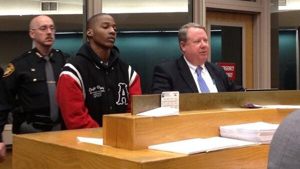 Bond set at $1.1 million Friday for Keyawhan Lowe, 20, who  faces murder and aggravated robbery charges in the slaying of Mamadou Diop, 45.