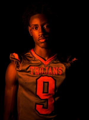 2016 Fall Player of the Year finalist Jacquez Carter, Lely High School football