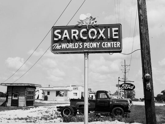 Sarcoxie sign, June 1953