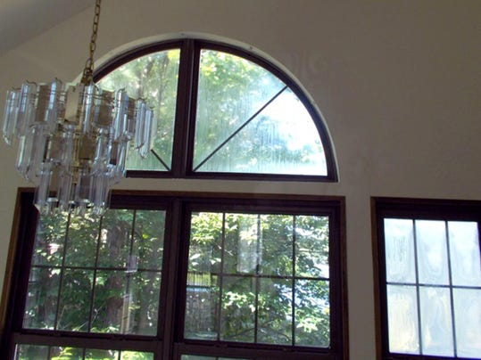 Living Smart: Should I get a professional window cleaning?
