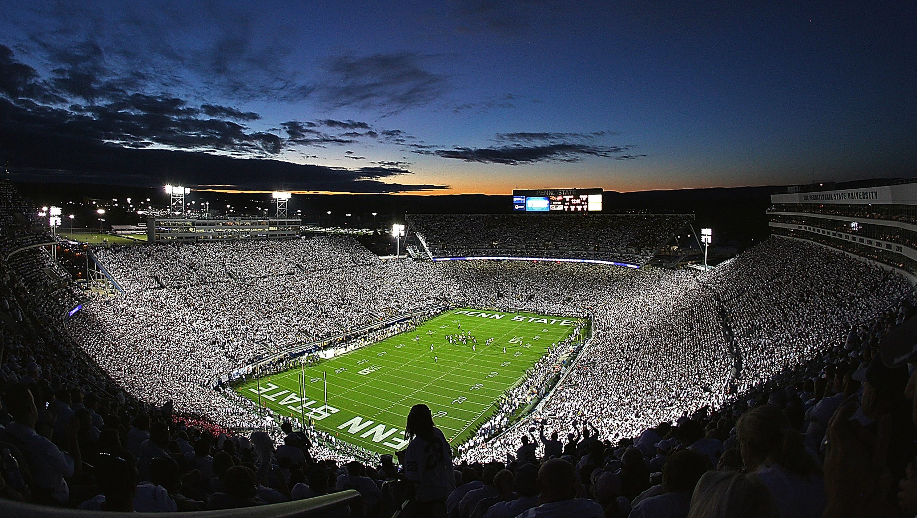 Penn State Players Laud Beaver Stadium S White Out Experience