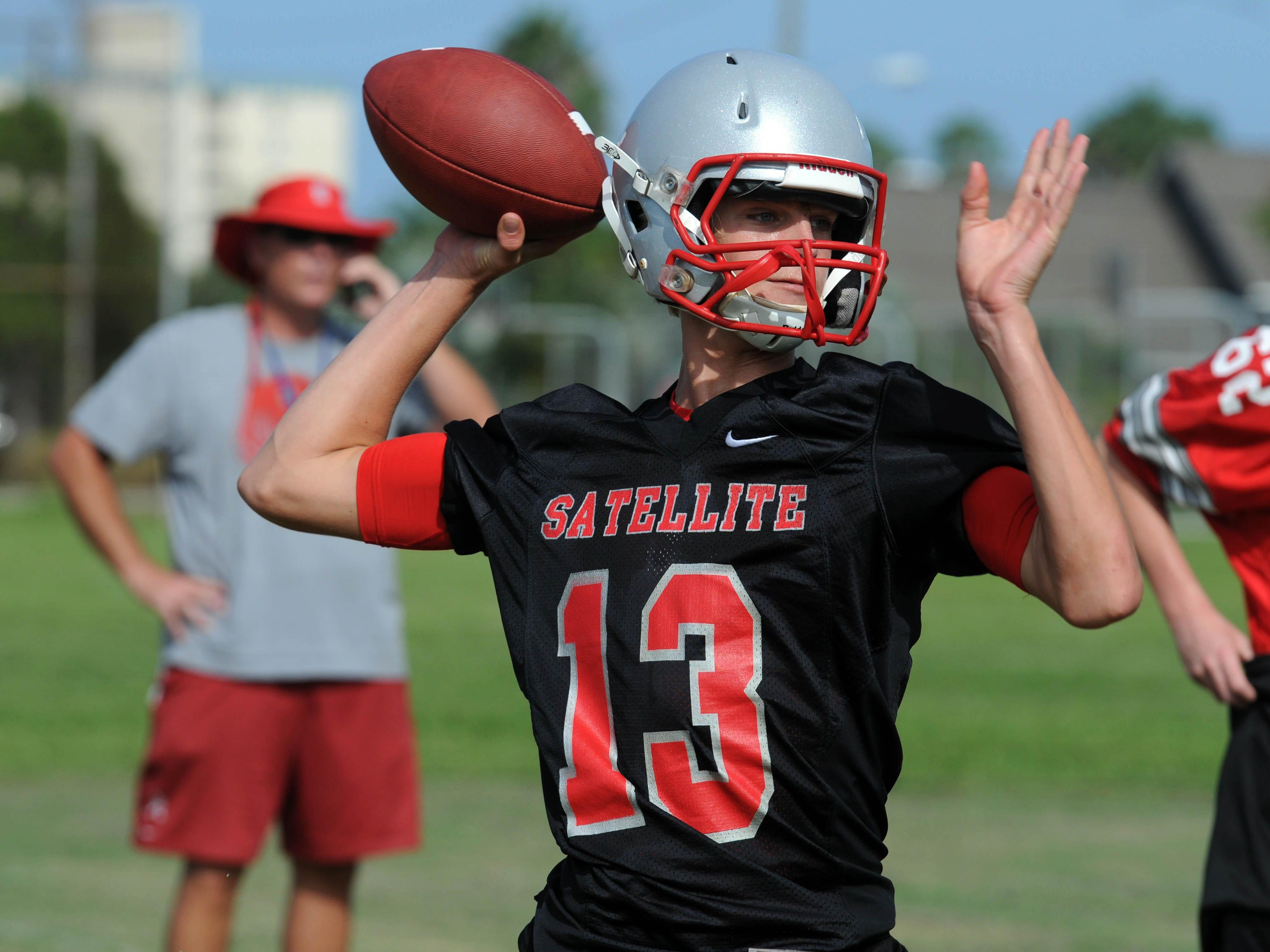 Satellite High's Noah Mumme scored with 9 seconds remaining to give the Scorpions a 9-7 victory in its preseason game against St. Cloud.