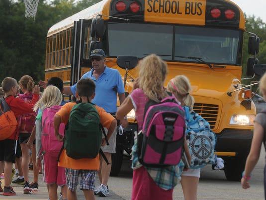-OSH School Bus 090413 JS 01.jpg_20130904.jpg