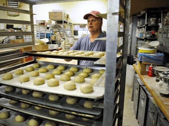 Jeff Muntifering, Dutch Maid Bakery, makes wholewheat