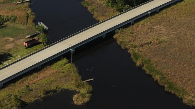 Aerial photo of the Sturgeon Creek bridge.