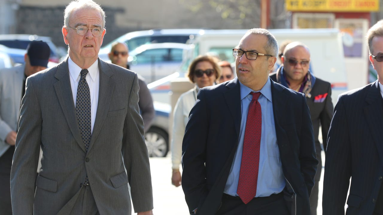 Alex Blanco, the former mayor of Passaic, enters the federal courthouse where he is set to be sentenced on April 18, 2017.