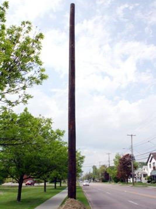 BUR 060515 NNE ugly pole