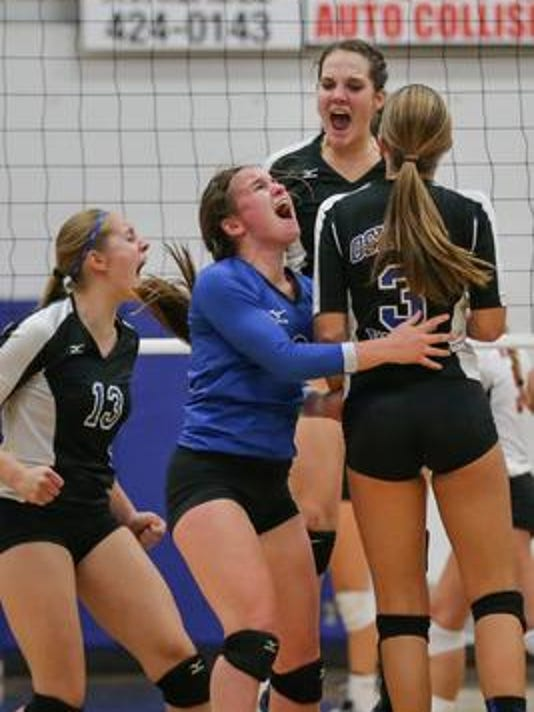 Oshkosh West volleyball